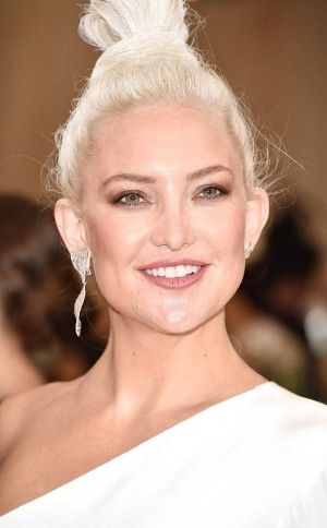 rs_634x1024-170501181415-634.Kate-Hudson-Best-beauty-Met-Gala-2017