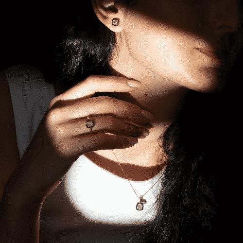 pandantiv aur diamante albe si negre